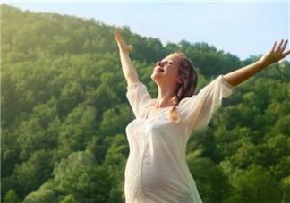 孕妇晒太阳的最佳时间 孕妇晒太阳的最佳位置(晒肚子)