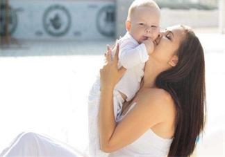 产后护理要到位 一不小心就有了妈妈手颈椎病和腰疼