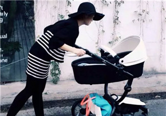 如何选择宝宝婴儿车 根据宝宝年龄选婴儿车