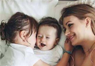 二胎妈妈怎么带好两个孩子 二孩妈妈怎么照顾两个孩子生活学习