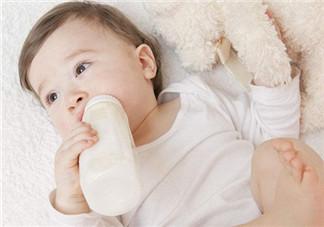 婴幼儿如何换奶粉  需要一匙一匙换吗