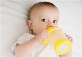 怎么喝水更健康  宝宝喝水常犯错误