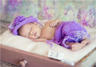 如何观察新生儿肚脐眼 新生儿肚脐眼如何照顾观察