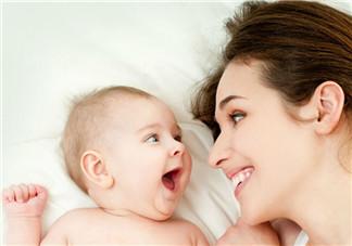 新生儿吃奶不专怎么办 如何解决吃奶问题