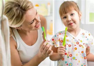 董洁儿子顶顶四颗蛀牙 宝宝更易患蛀牙问题