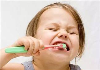 1-3岁宝宝要不要用牙膏 宝宝牙膏含氟好不好