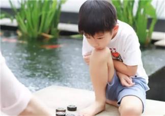 孩子学下棋的最佳年龄 孩子学象棋围棋国际象棋哪种好