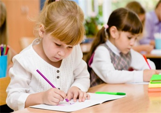 孩子做错事后这样做会更好 孩子犯错正确引导方法