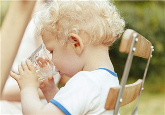 喝酒真会让婴儿丧命 给宝宝喝酒的危害