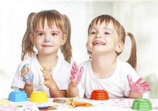 家里孩子之间吵架如何处理 怎么教会孩子和睦相处