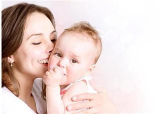 不良习惯危害大 如何警惕宝宝的不良习惯
